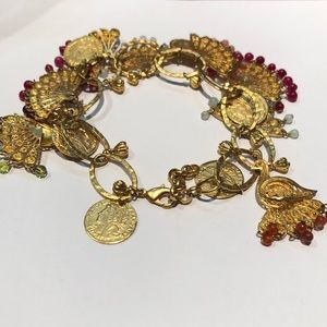 Jewelry - Vintage charm bracelet with gemstone accents!